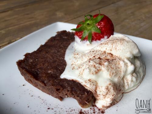 Chocoladebroodje met slagroom