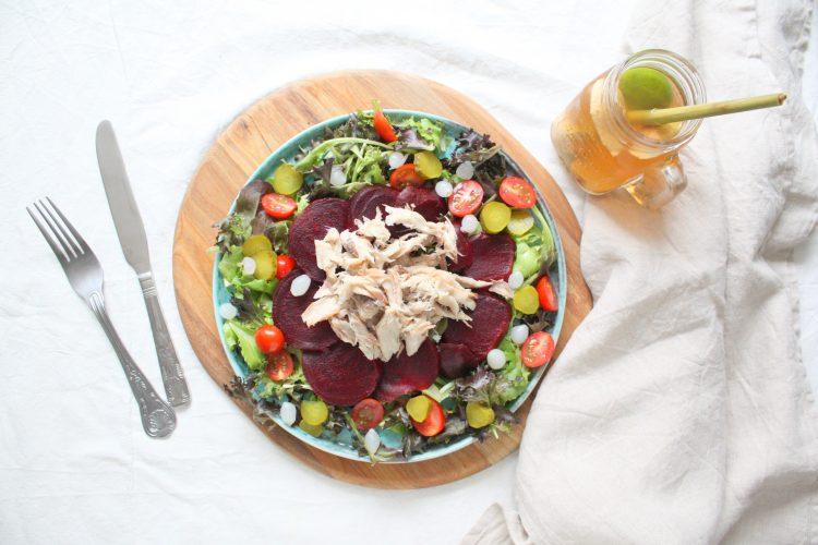 Makreel met rode bietensalade