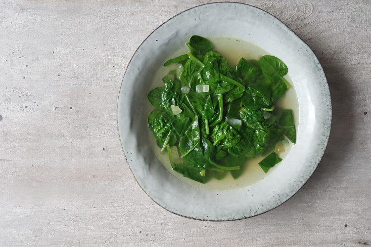 Vietnamees spinaziesoepje